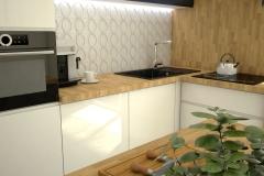 131.-kuchnia-ikea-bialy-polysk-grafitowy-mat-drewno-kitchen-ikea-white-gloss-graphite-matt-wood