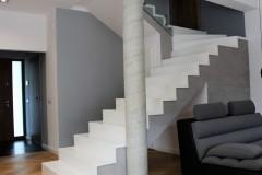 0002. klatka schodowa biale schody beton stairs white concrete