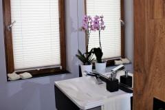 0011. lazienka szary drewno czarny bathroom grey wood black