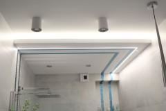054. lazienka szara z mozaika goccia turkus beton wanna wolnostojaca chrom prysznic walk in bathroom mosaic turquoise concrete free-standing bathtub